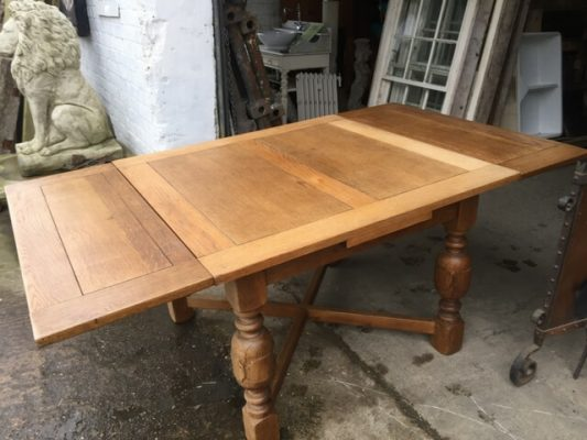 1930's extending Oak Table